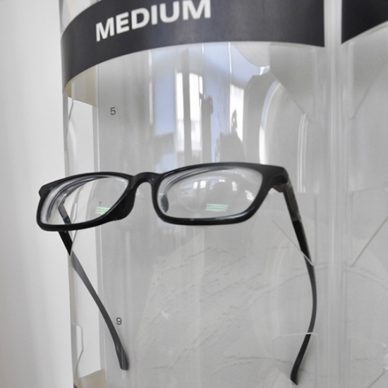 Custom acrylic glasses display rack